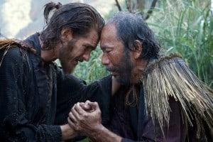 Andrew Garfield jouant le Père Rodrigues et Shinya Tsukamoto jouant Mokichi dans le film SILENCE.  Kerry Brown © 2016 Paramount Pictures.