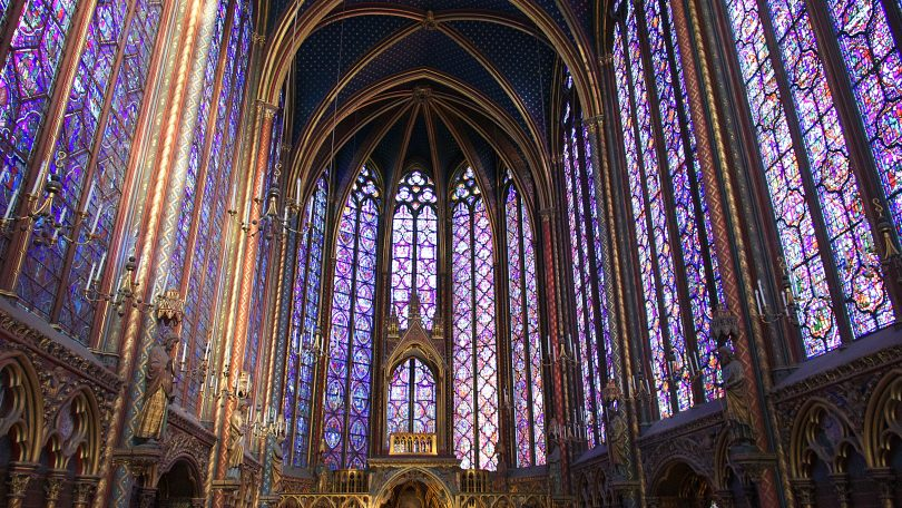 Vitraux de la Sainte Chapelle, Paris (photo: Pascal Bernardon / unsplash.com).