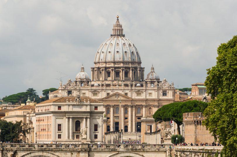 La basilique Saint-Pierre, Cité du Vatican (Sony DSC / Wikimedia Commons).